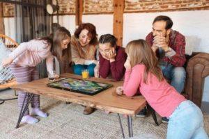 Archos представила 21,5-дюймовый планшет Play Tab для настольных игр
